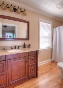 Master bathroom en suite.