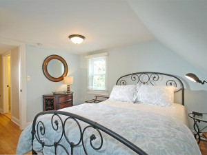 Guest Bedroom with queen size bed .
