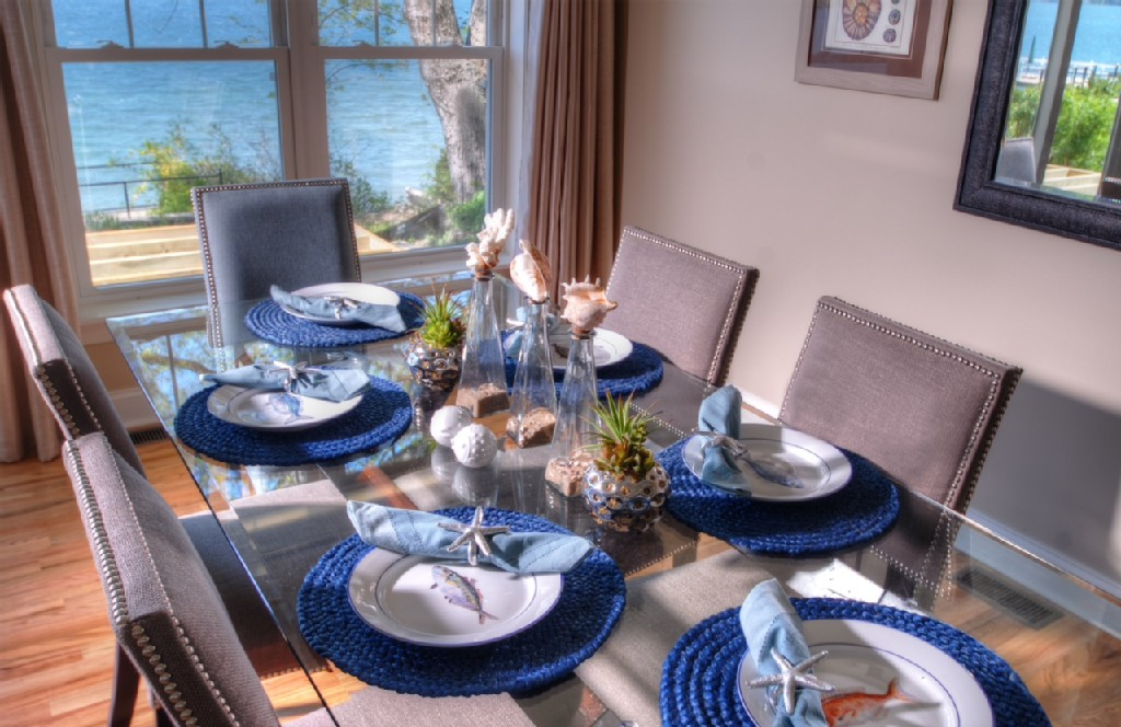 Table setting for six