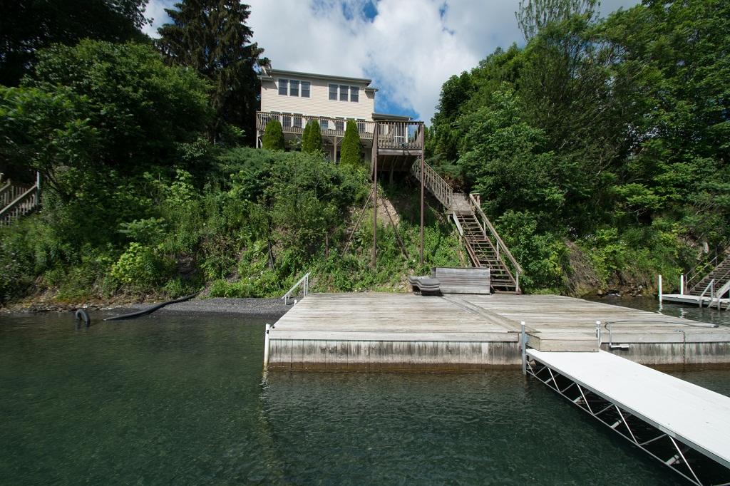 Spacious lakeside deck area